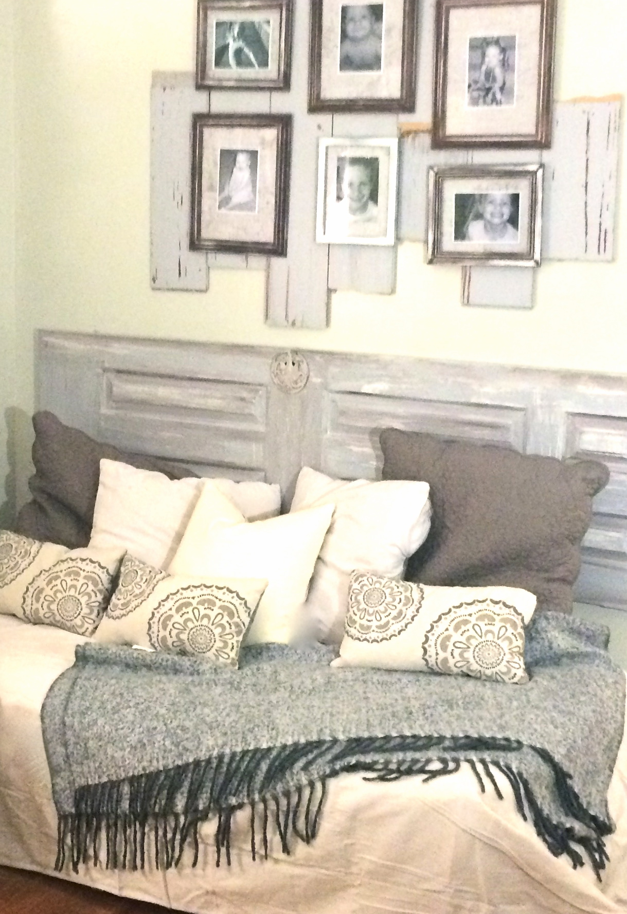 I wanted to hang a collage of pictures over the pallet bed/sofa. When I started with just hanging the frames it felt kinda blah. & A-DOOR-able Pallet Couch u2013 A Will and a DIY Way